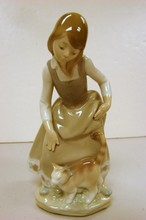 Lladro Little Girl with Cat #1187