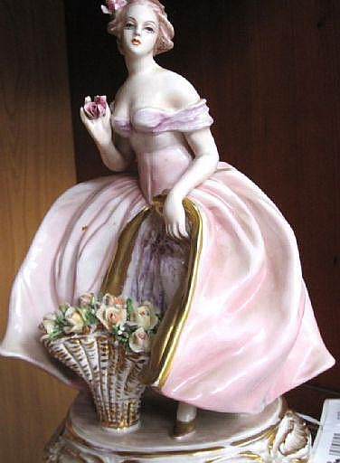 Cacciapuoti, Guido, figurin, glaserat flintgods,
