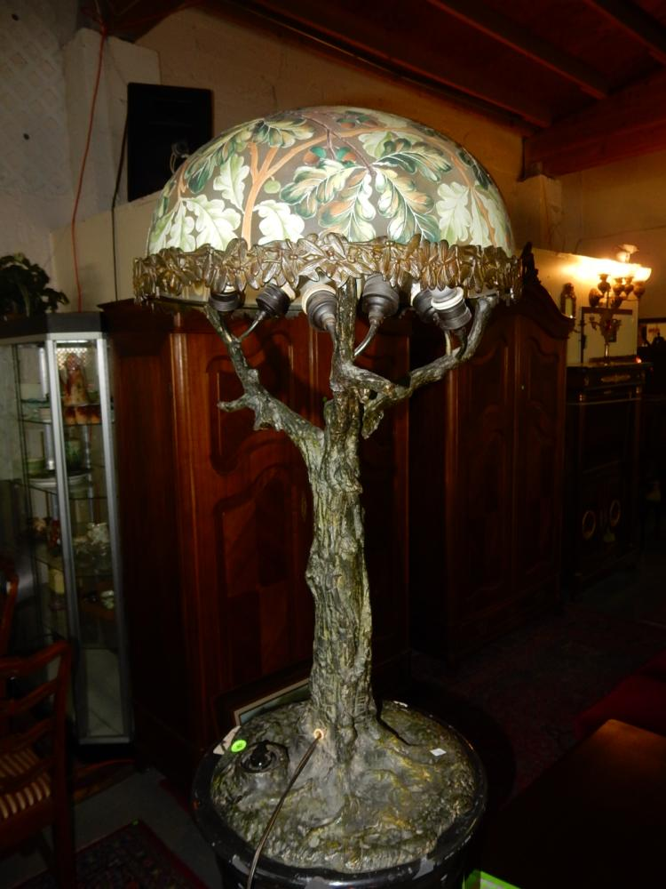 Stunning antique cast bronze table lamp with
