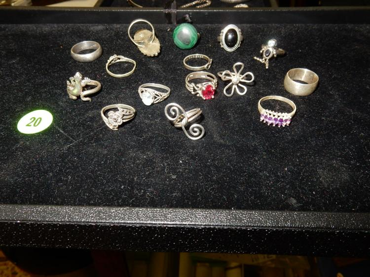Collection of 15 different vintage sterling silver rings