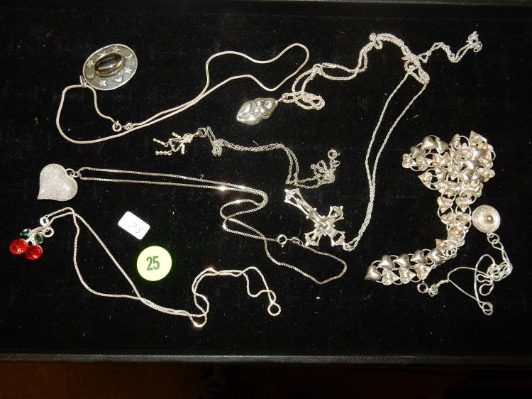 Collection of 8 fine quality vintage sterling silver necklaces w/silver pendants