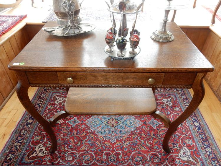 6) Lovely antique American oak library table with center drawer, lower shelf support, proffessionally refinished. COND VG. Special shipping required