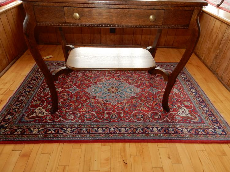 4) Nice hand tied 100% wool Persian rug, with medallion center & great colors. COND VG-used condition