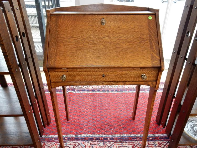 Wonderful antique American oak, Arts & Crafts, ladies fall front writing desk, single drawer, professionally refinished, insert changed / added. COND VG. Special shipping required