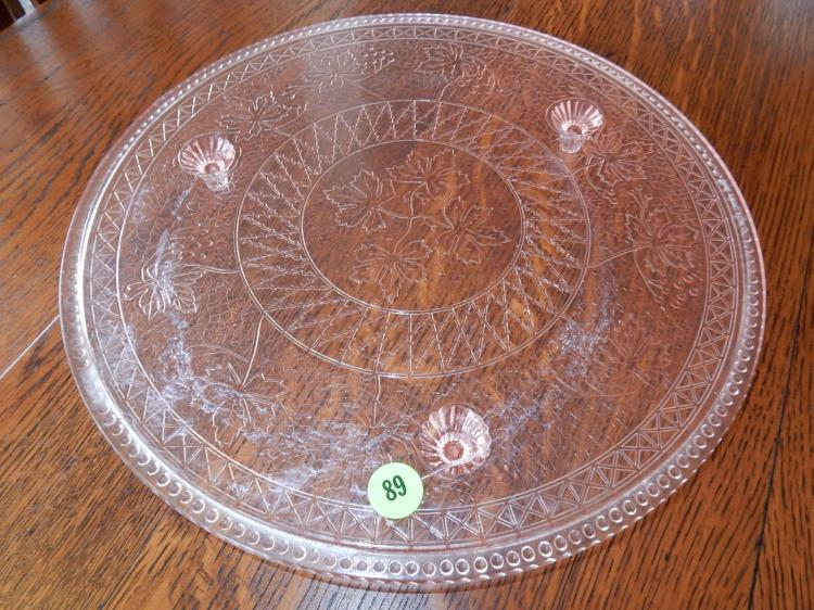 Nice vintage pink, Depression style, tri footed cake plate, with oak leaf design, COND VG