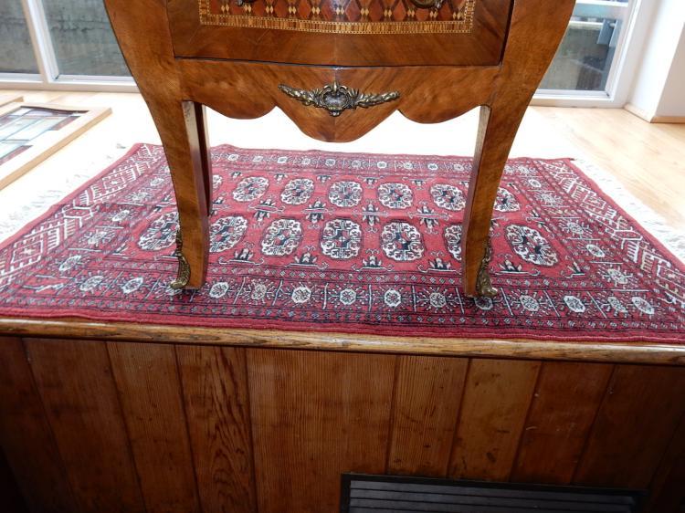 5) Vintage hand tied 100% wool Persian wool rug
