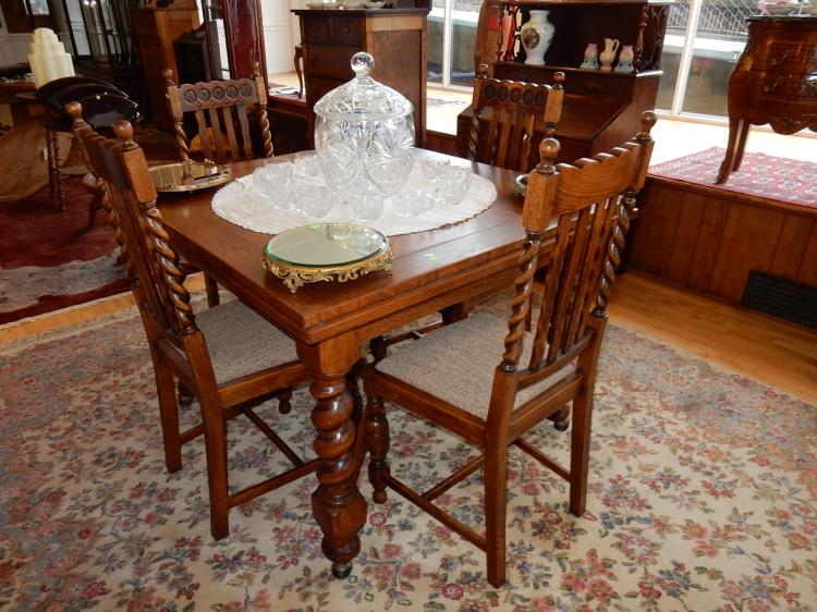 Lovely antique oak barley twist dining set with draw leaf table and 4 matching chairs, cond G-VG, top has thin litfs spots, special shipping req