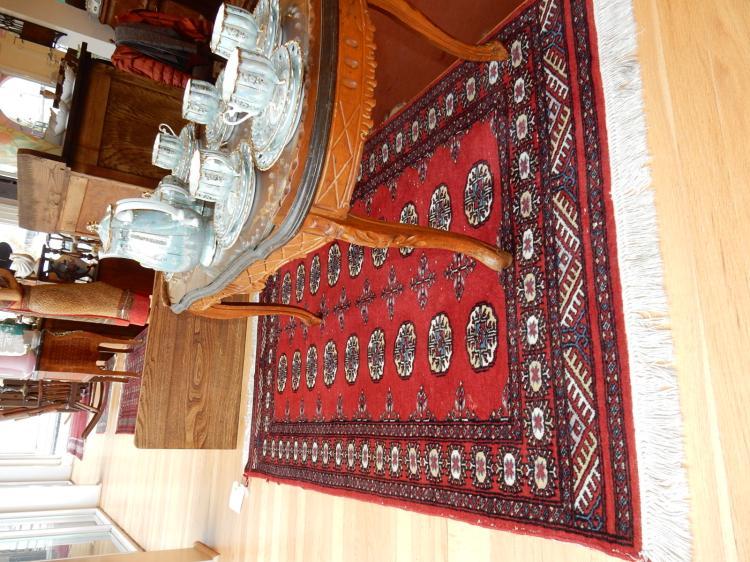 6) Vintage hand tied 100% wool rug