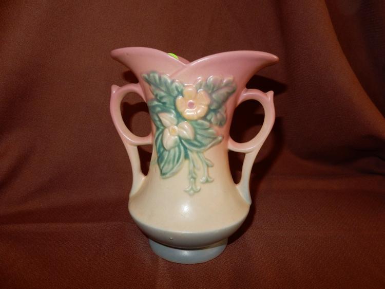 Vintage Hull pottery vase, floral design. COND VG