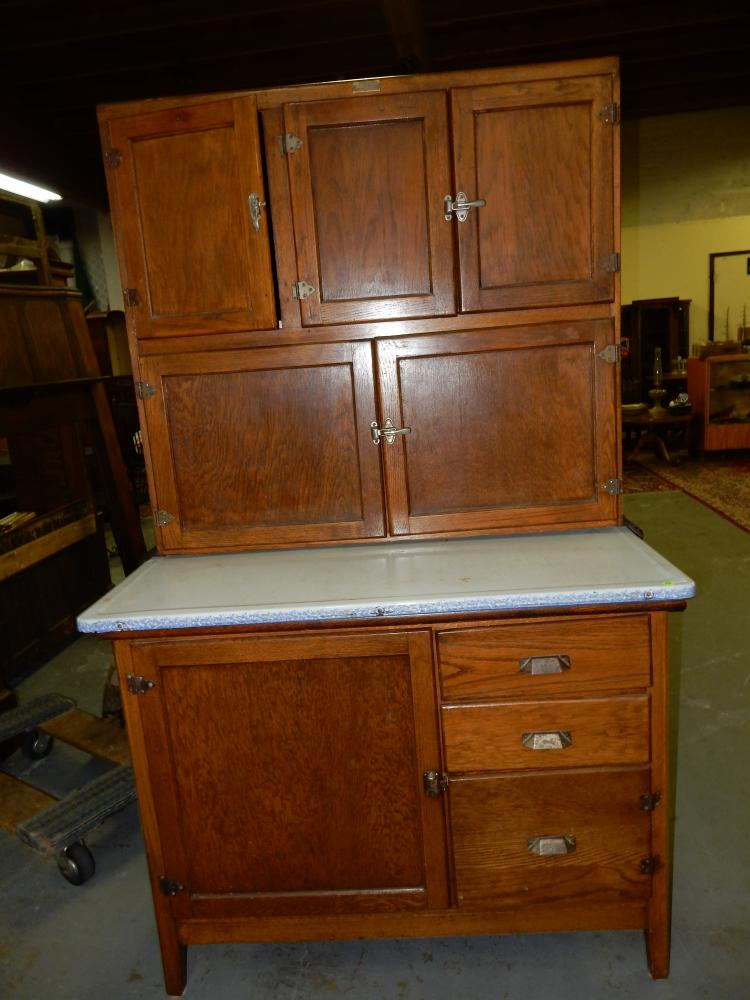 Wonderful primitive american oak kitchen queen by wilson kit for Kitchen queen cabinet