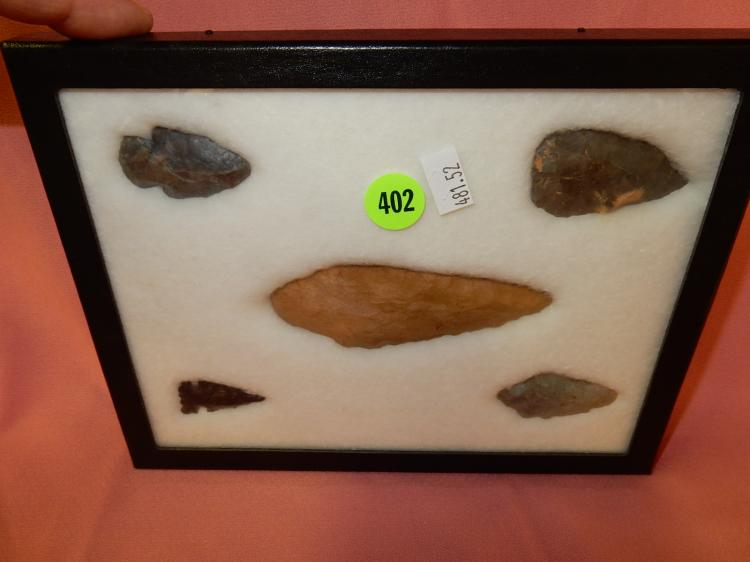 52) Nice collection of Native American handmade arrowheads / in showcase, from various US states (see back for info)
