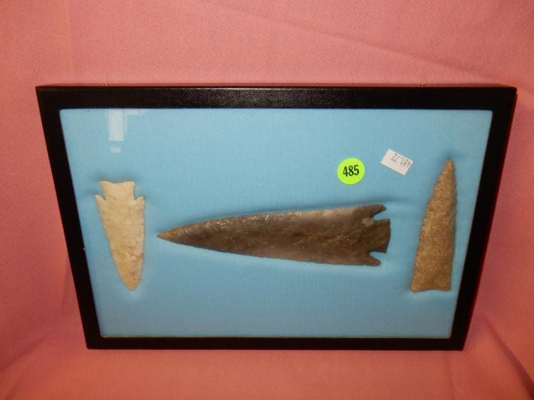 72) Nice collection of Native American handmade arrowheads / spear points, in case