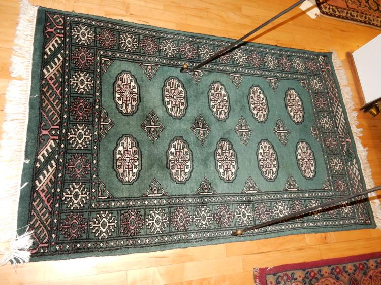 Nice vintage Arts & Crafts style hand tied 100% wool rug from Prussia, cond VG-used cond