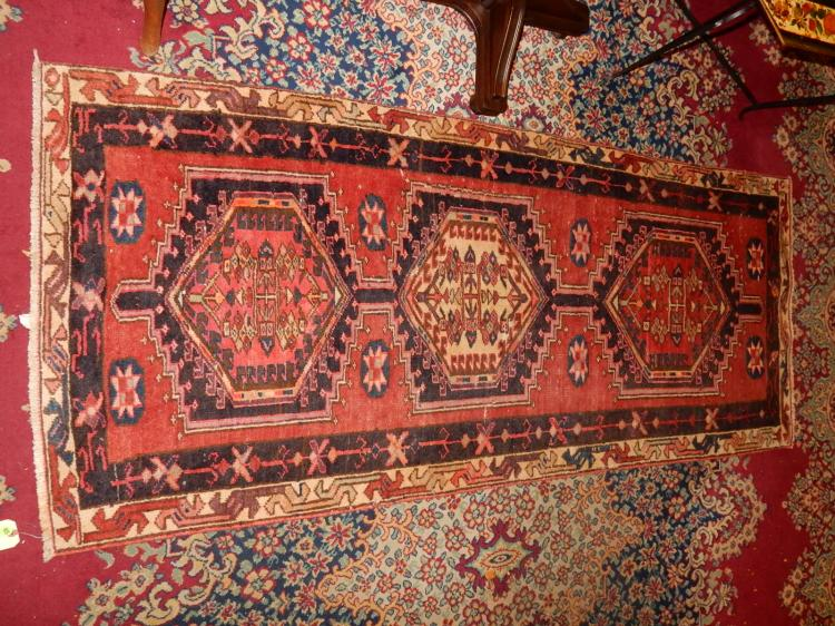 Nice vintage Arts & Crafts style hand tied 100% wool runner rug from Prussia, cond VG-used cond