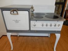 Antique 1920's electric range by GE Hotpoint, converted burners, for museum display (non working) Special shipping required