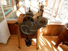 Wonderful antique copper tub, motorized washing machine, was used in museum display, COND VG. Special shipping required