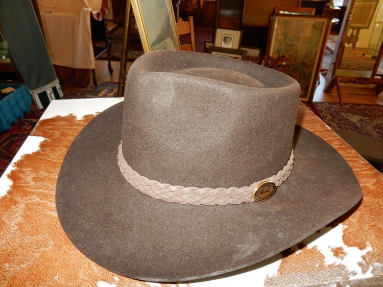 New / like new Australian leather hat in box