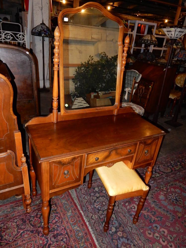 Lovely 4 piece 1920 39 s bedroom set with high boy dresser va for Bedroom furniture 98409