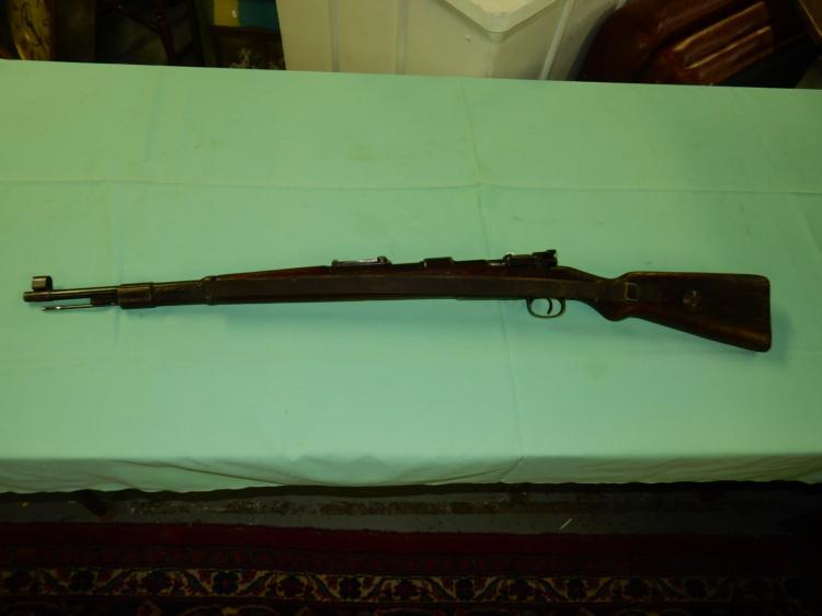 WWII German Mauser 98 1942 German proof marks SN: 1300 8mm c