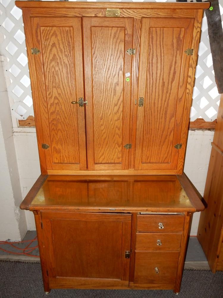 1 oak 2 piece kitchen queen style cabinet by gurney refrig for Auctions kitchen cabinets