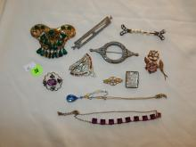 Nice collection of antique / vintage ladies paste rhinestone brooches & necklaces, cond VG