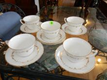 5 piece cups & saucers by Royal Worcester. COND VG