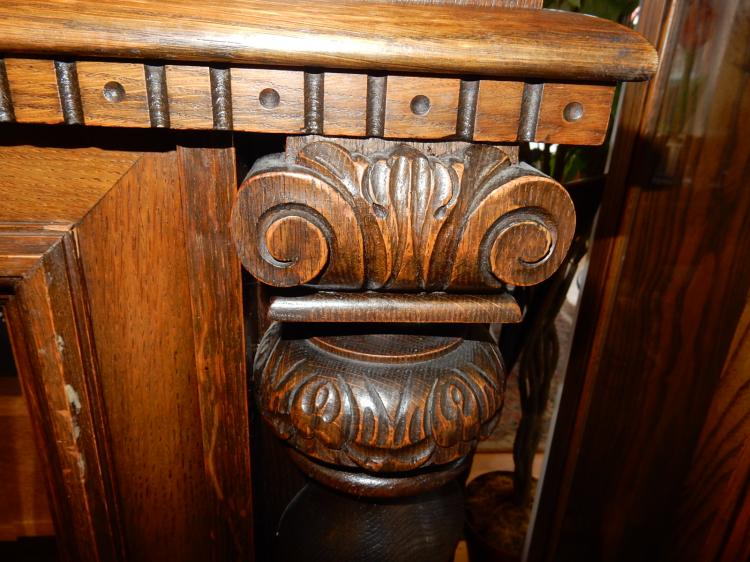 Beautiful Antique Carved Euro China Hutch Buffet With Bar