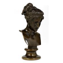 Bronzebüste einer Hebe nach antikem Vorbild