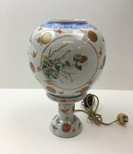 HAND PAINTED CHINESE PORCELAIN LAMP