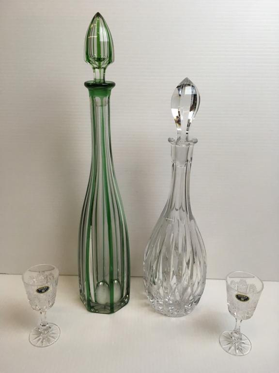 4 PCS OF GLASSWARE - DECANTERS & STEMWARE