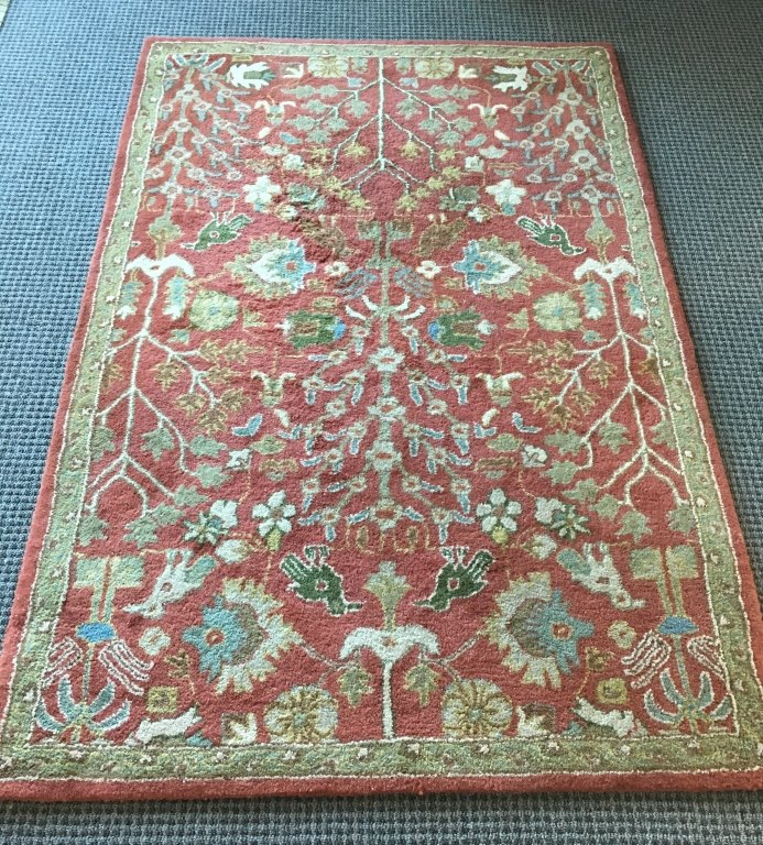 WOOL RUG MADE IN INDIA 4' X 6