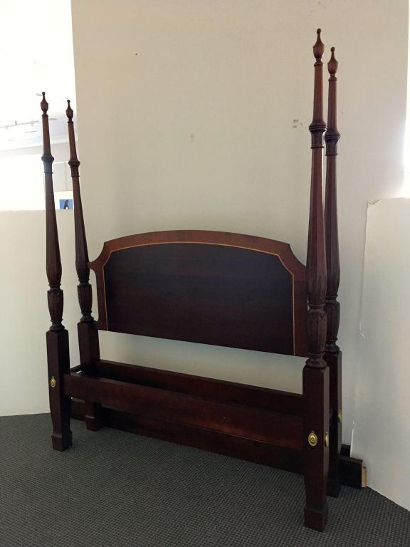 Owen Suter 39 S Mahogany Queen Size 4 Post Bed
