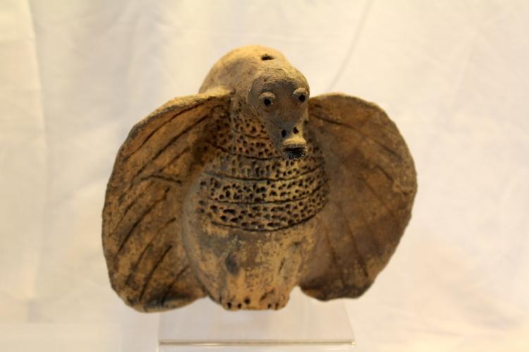 PRE-COLUMBIAN BIRD FIGURE