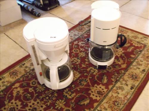 1 TOASTMASTER COFFEE POT & 1 BRAUN COFFEE POT