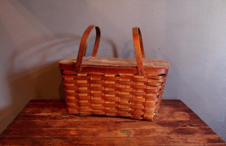 273. Vintage Picnic Basket with Handles