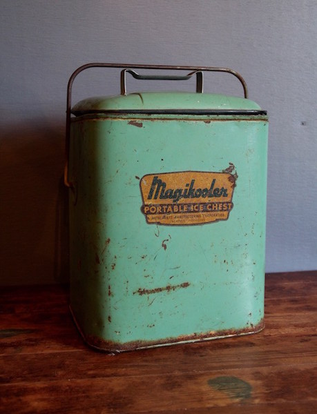 230. Magikooler Portable Ice Chest