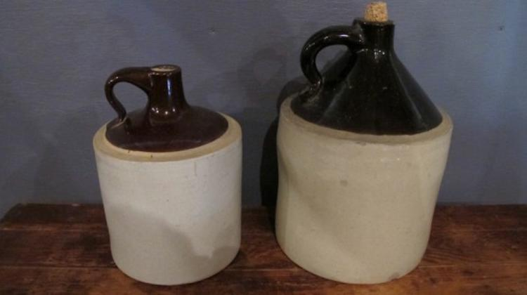 189. 2 Stoneware