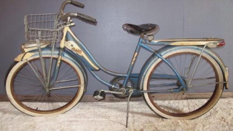 106. 1948 Columbia 5-Star Superb Bicycle