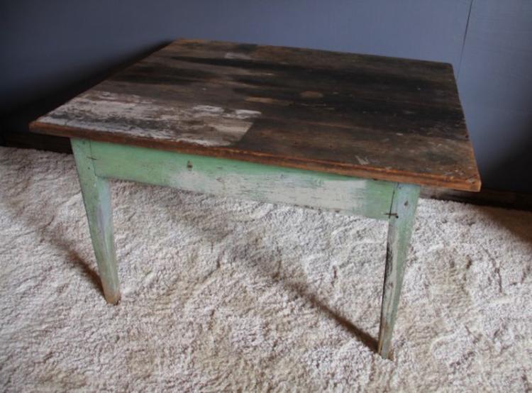 267.  1800's NC Farm Table