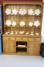19th/20th cent. Pine dresser, 3 drawers over an open recess, flanked by 2 c