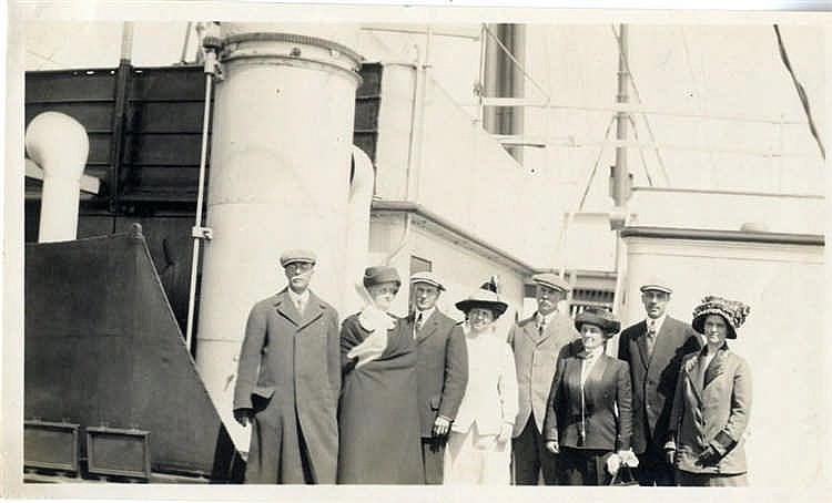 R.M.S. TITANIC - HUTCHINSON ARCHIVE: Rare first generation image