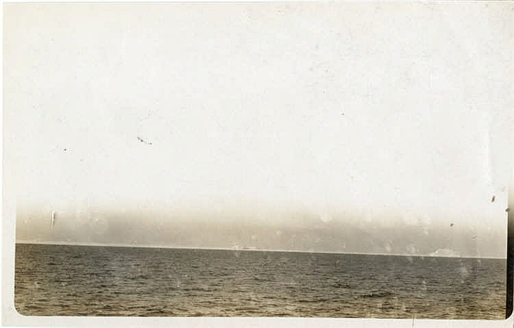 R.M.S. TITANIC - HUTCHINSON ARCHIVE: Original photograph with not