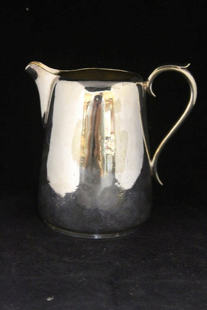 WHITE STAR LINE: Milk jug with burgee removed. 7ins.