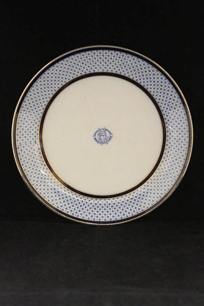 WHITE STAR LINE: Copeland Spode Snowflake OSNC plate with gilt ri