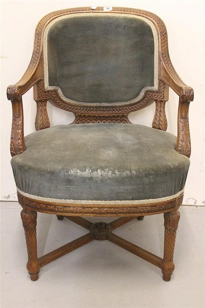 R.M.S. OLYMPIC: First Class oak à la carte dining room chair, hea
