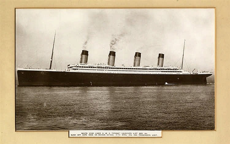 R.M.S. TITANIC: Oversized book post card of 'White Star Liner R.M