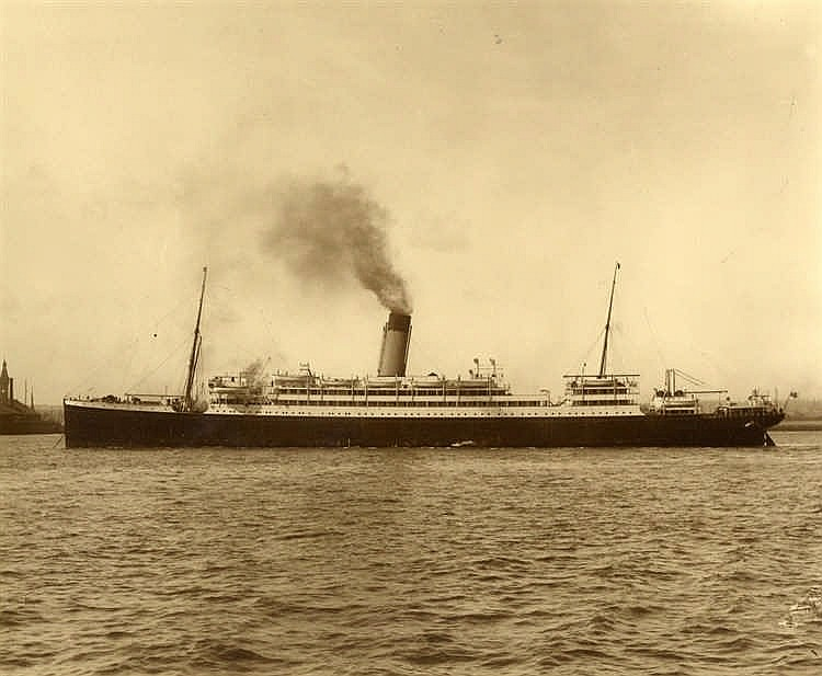 WHITE STAR LINE: Original broadside photographs of White Star lin