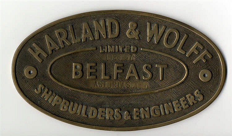 HARLAND AND WOLFF: Cast oval builder's plaque 'Belfast Shipbuildi