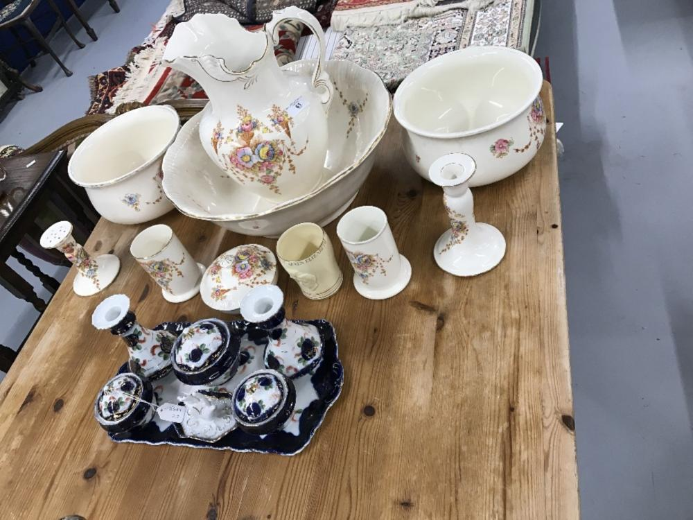 Early 20th cent. Crown Devon washstand set comprises large wash bowl (a/f), jug, chamber pots x 2, t