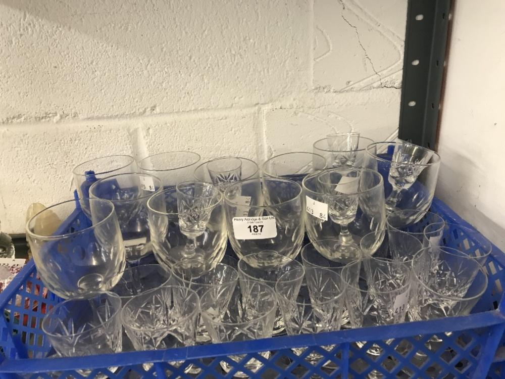 The Thomas E Skidmore Collection: 20th cent. Drinking glasses - cut bowls wine x 11, sherry x 15 (2